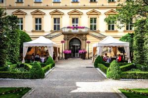 Hotel Kempinski winter garden
